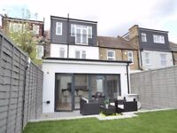 Beautifully Modern Split Level Conversion Flat w/ Three Double Bedrooms, CR4