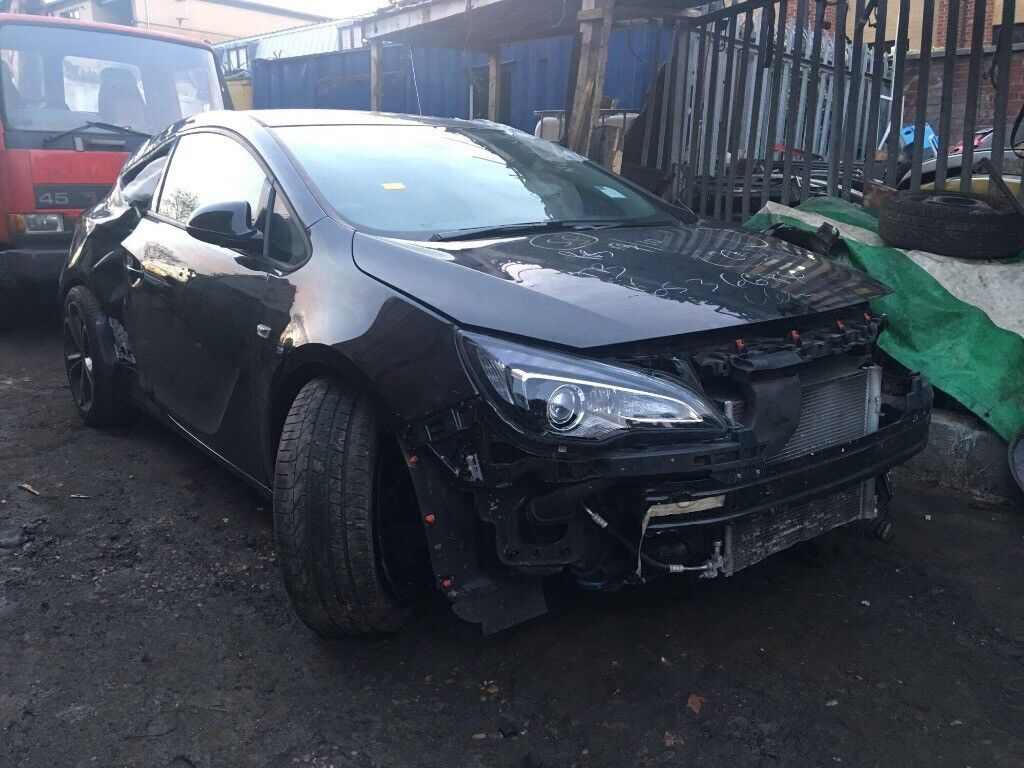 VAUXHALL ASTRA GTC BREAKING FOR SPARES  in Camberwell London