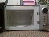 Microwave Wilko Silver 20L