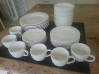 30pc Thomson Pottery Dinner set