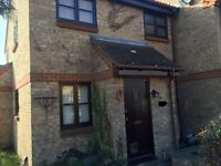 TO LET - 1 BEDROOM HOUSE with OSP