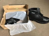 Steel toecap boots size 8