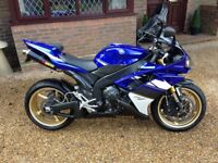 Yamaha R1 2008, Absolutely Stunning only 1100 Miles from new