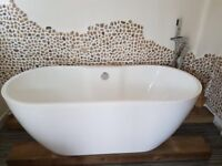 Free standing roll top bath vanity sink and toilet