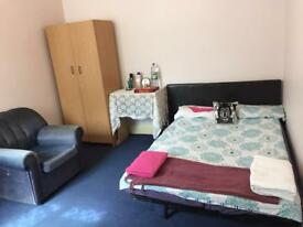 Double room to rent in Colindale