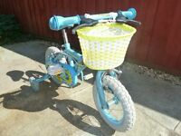 girl's bike with training wheels 12""