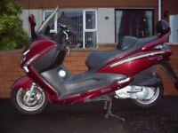 ** 2010 SYM GTS EVO 125cc Scooter **