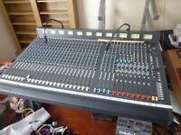 studio kraft k2 mixer 24-8-2- mixer and flight case