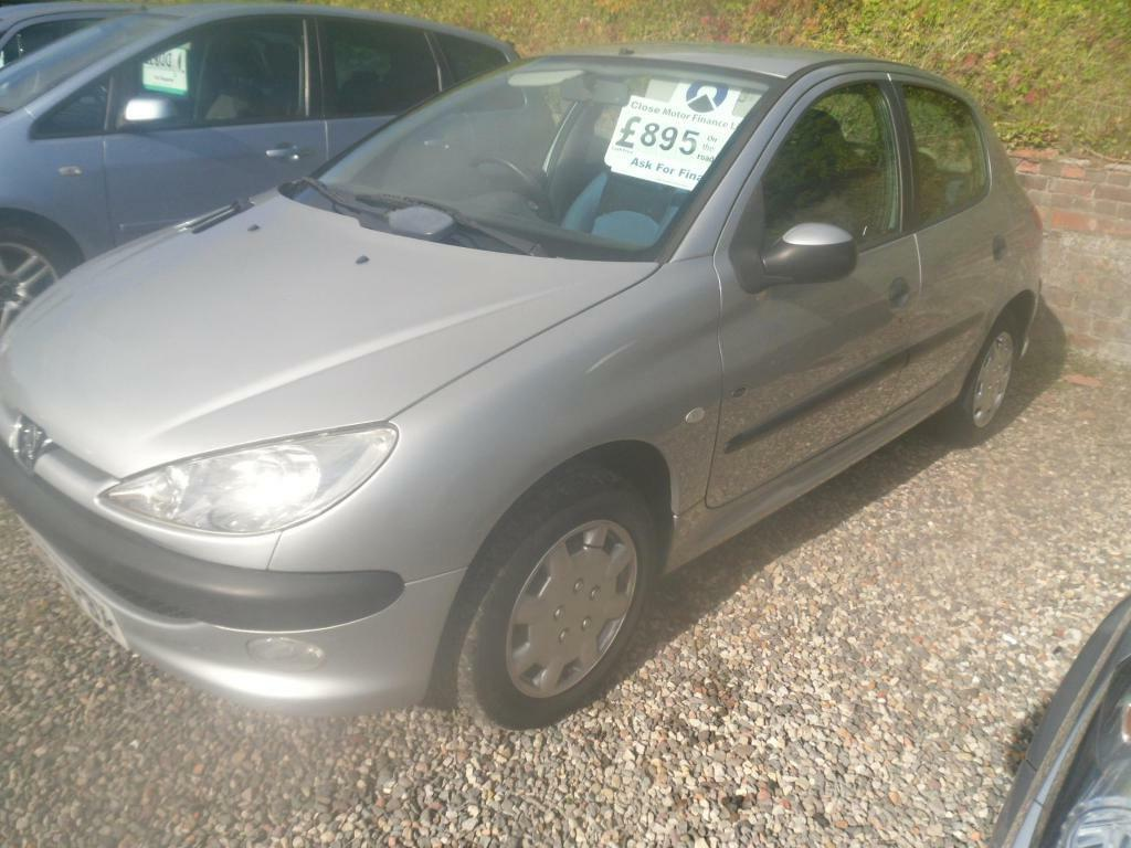 PEUGEOT 206 1.1 Fever 5drMOT MARCH, FULL SERVICE HISTORY, IDEAL STARTER  VEHICLE  695 (silver) 2004