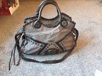 2x Stunning Guess Handbags!