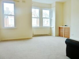 1 Bed Flat Charteris Road Queens Park NW6 7EX