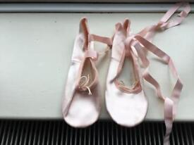Girls Ballet Shoes and bag