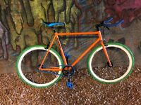 Mango Single Speed/Fixie Bike Done very few miles great condition
