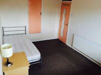 Lovely Large Double Room to rent in Stratford from 1st May. 5/7minutes walk to underground Station.