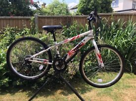 Boys Bicycle - 7 - 12 year old suitable - As New