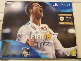 Ps4 with 2 pads + Fifa 18