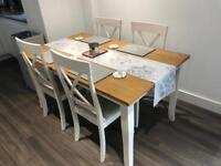 Wooden dining table - 4 Chairs - Excellent condition