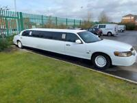 Lincoln Town Car Stretch Limousine White Full Mot