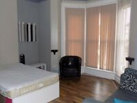 Lovely Bedsit in Bolton/ Close to Town and Uni