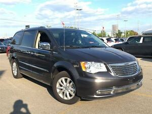2016 Chrysler Town & Country PLATINUM**DUAL DVD**POWER SUNROOF**
