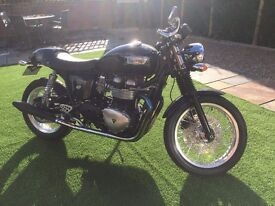 2010 TRIUMPH THRUXTON 900 IN BLACK FULL MOT 409 MILES !! YES ONLY 409 MILES FROM NEW