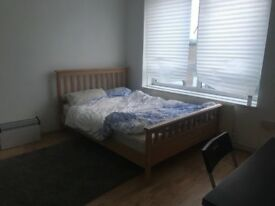 4 bed room house+separate lounge,3 mint Plaistow.Close: Stratford,East Ham,West Ham,Canning Town