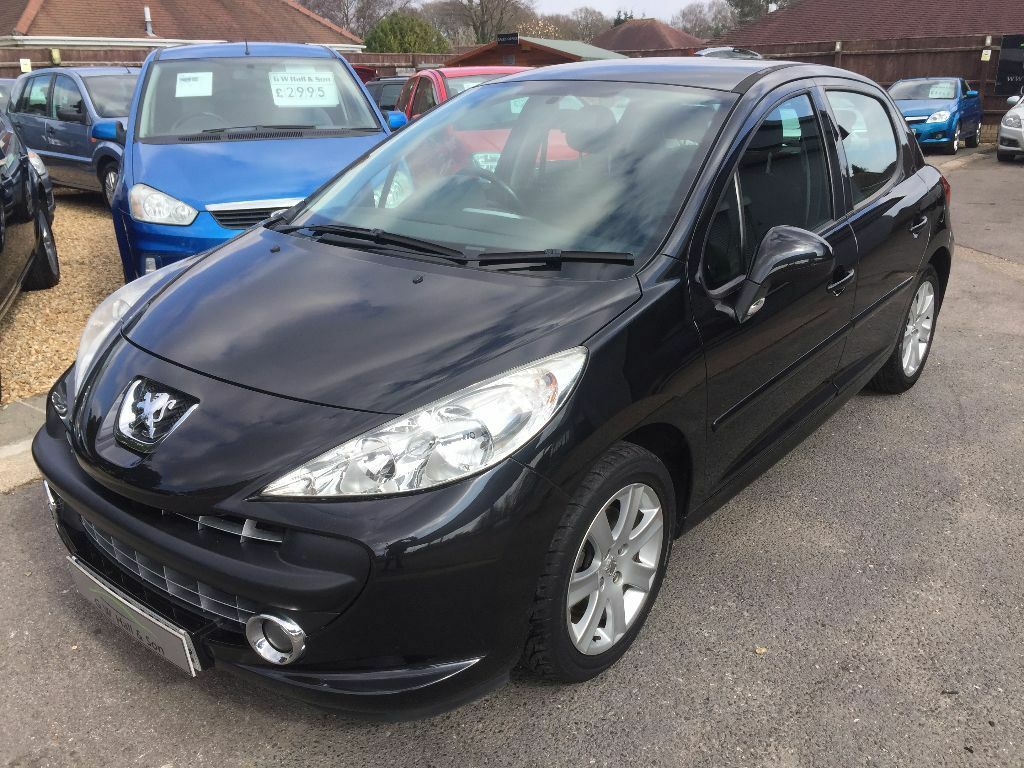 2008 08 peugeot 207 1 6 vti sport 5 door in black good condition looks and drives well in. Black Bedroom Furniture Sets. Home Design Ideas