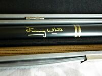 TWO PIECE JIMMY WHITE SNOOKER CUE AND CARRY CASE