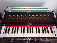 JAS Harmonium - brand new, with case. Perfect tuning. Can be posted!