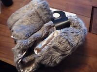 Women's new Faux Fur Snood and Mittens Set