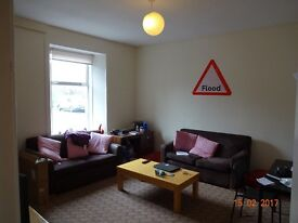 Large 3 bed HMO Flat to rent in Riverside