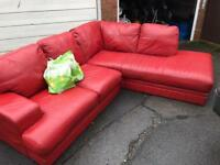 NICE RED LEATHER CORNER SOFA SET ** FREE DELIVERY AVAILABLE **