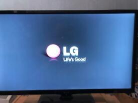 "Lg 29"" tv and monitor freeview built in comes with stand and remote (can deliver local)"