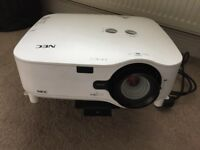 Projector NP2200G plus equipment
