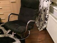 Swivel chair in Black cord