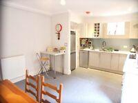 1 bedroom in Ormiston Grove, Shepherd's Bush, W12