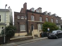 two bed top floor apt, waterloo, L22 5NL by shops, beach and train station, gch, unfurn, popular lo