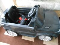 Kids Battery Ride-on Car Land Rover Range Rover 1 year old Charged Regularly Little Used. w