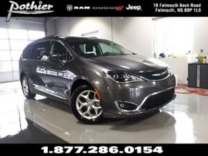2017 Chrysler Pacifica Touring-L Plus | LEATHER | SUNROOF | REAR