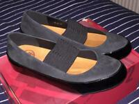 Nearly new Fitflop Due Mary-Jane shoes