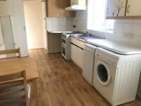 A bright and very spacious ground floor apartment located 5 mins from Archway tube station rent £290
