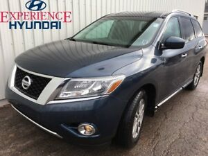 2016 Nissan Pathfinder SV V6 4X4 WITH AWESOME PERFORMANCE  IN EX