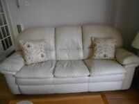 3 PIECE SUITE +POUFFE / FOOTSTOOL CREAM REAL LEATHER.IMMACULATE NO MARKS OR SCUFFS.