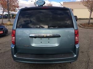 2008 Chrysler Town & Country Limited | 4.0 L | Swivel N Go | Lea Kitchener / Waterloo Kitchener Area image 3
