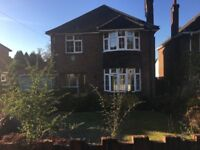 3 Bed Detached House For Sale in Camberley