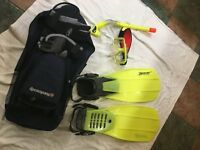 Fins medium-large Beaver Velocity, Snorkel and Gul Dive mask - used only once, mint condition.