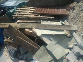 Free fire wood, up cycle wood and 5 pallets 1st come 1st serve FREE to collect
