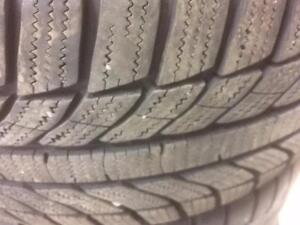 4 pneus d'hiver Gt Radial, Champiro Winter Pro, 225/55/16, 15% d'usure, mesure 9-10/32.
