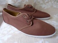 NEW: RIVER ISLAND 'SKULL' MENS BROWN DECK SHOES CASUAL DRESS CANVAS: UK SIZE 9.5