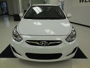 2012 Hyundai Accent GL 1.6L Berline/Sedan 39$/semaine West Island Greater Montréal image 2